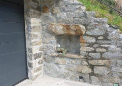 particolare garage muro in sasso