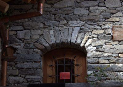 Arco in sasso ingresso